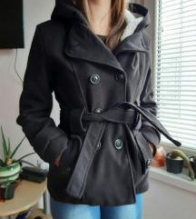 Topli crni kaputić