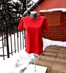 Karmin crvena majica