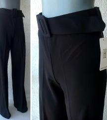 crne pantalone nove broj M H ITALY rezervisane