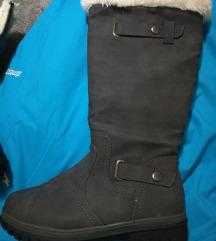 zenske cizme za zimu futrovane - zadnji par