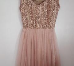 Prelepa p...s.. haljina!