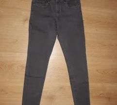 Tamnosive pantalone