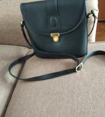 Cvrsta crna postarska torba