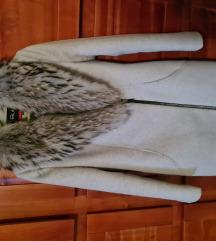 Kaput od vune sa pravim krznom