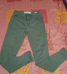 Maslinasto Zelene Pantalone Vel XS