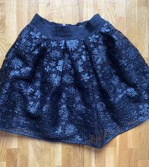 Neobicna kozna suknja