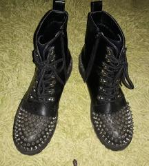 Cizme sa bodljama