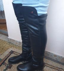 crne čizme preko kolena