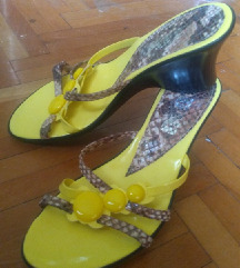 Jarko zute papuce 37