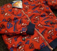 Prolecna jaknica za decake