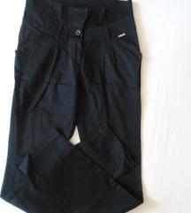 sada 550 Crne Naco pantalone, visokog struka