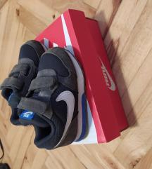 Nike patike br.22