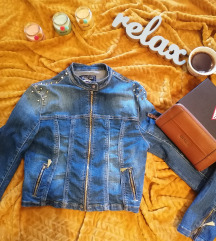 Moderna Teksas jaknica sa nitnama