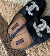 Papuče sa Chanel simbolom