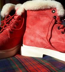 Koralno crvene cipele za jesen /zimu br. 40