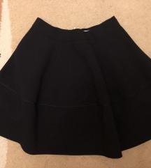 Crna duboka H&M suknja