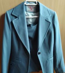 Plavi blejzer i suknja