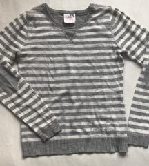 Prugasti džemper protkan srebrnim nitima