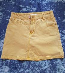 Žuta mini suknja