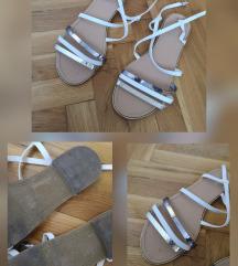 Sandale ravne