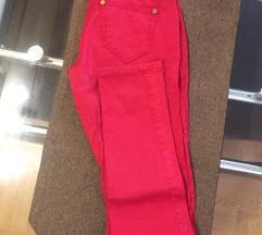 Crvene slim pantalone