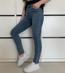 H&M farmerke sa visokim strukom