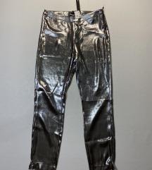 Bershka metalik pantalone Novo