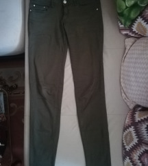 Maslinasto zelene pantalone