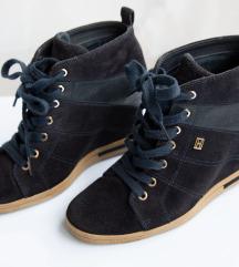 Tommy Hilfiger cipele sa skrivenom petom