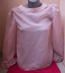 Nežna, lepršava šivena bluzica