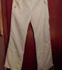 Nove sportske pantalone