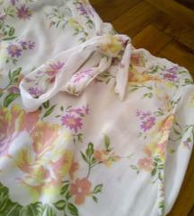 Bele cvetne pantalone