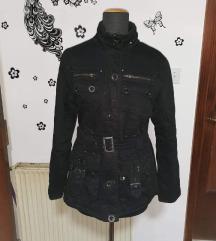 Crna zimska jakna