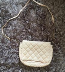 Prelepa torbica za 500 dinara