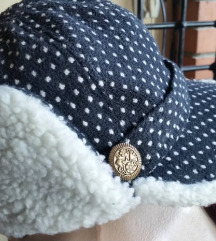 Topla crno-bela kapa-kacket - novo - snizen