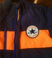 Converse perjana jakna divna