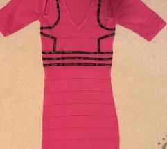 Uska roze haljina