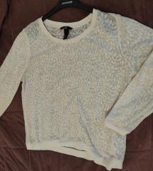 H&M prelepa bluzica