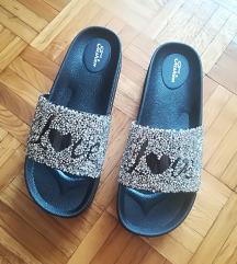 Crno srebrne papuce