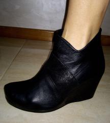 Kozne cipele br.38