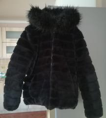 Crna jakna - bundica sa kapuljačom