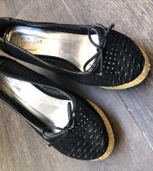 Zenske cipele na stiklu// SNIZENO 2500 RSD