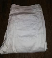 Bele pantalone 28