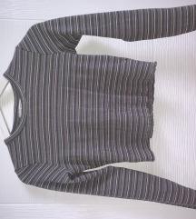 Crop top majica na duge rukavice