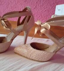 Cipele, salonke krem,sampanjac boja