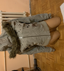 Cropp jaknica odlicno ocuvana  snizeno