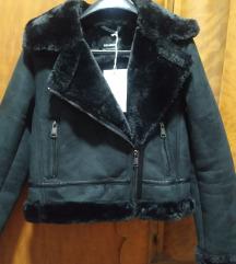 Nova jakna sa etiketom S