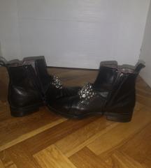 Paar kozne cizme