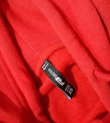 Crven oversized duks
