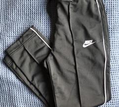 Nike nova